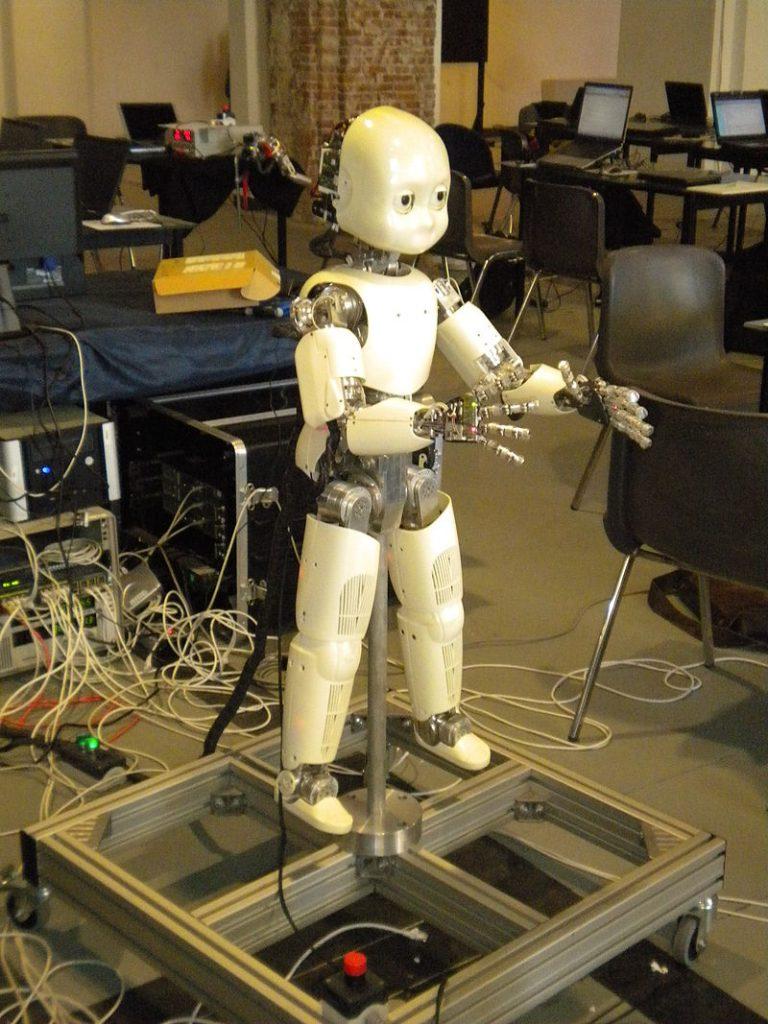 I-Club Robot